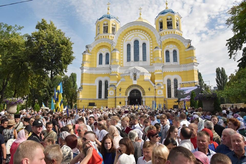 Віряни Київського Патріархату просять Президента України захистити їхні конституційні права