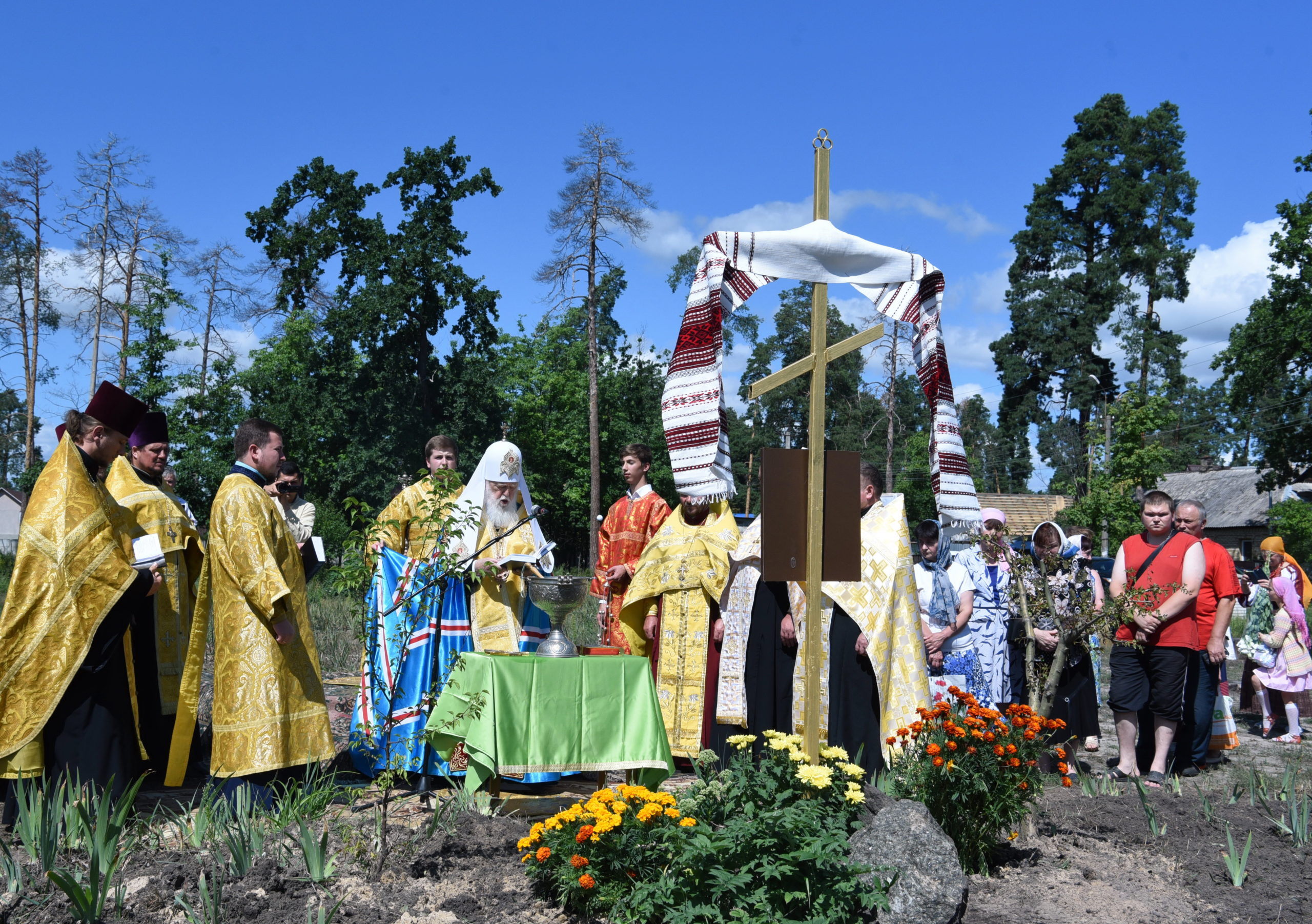 Патріарх Філарет освятив наріжний камінь під будівництво  храму в селищі Клавдієве-Тарасове