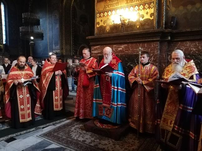 Патріарх Філарет звершив читання акафісту святому священномученику Макарію