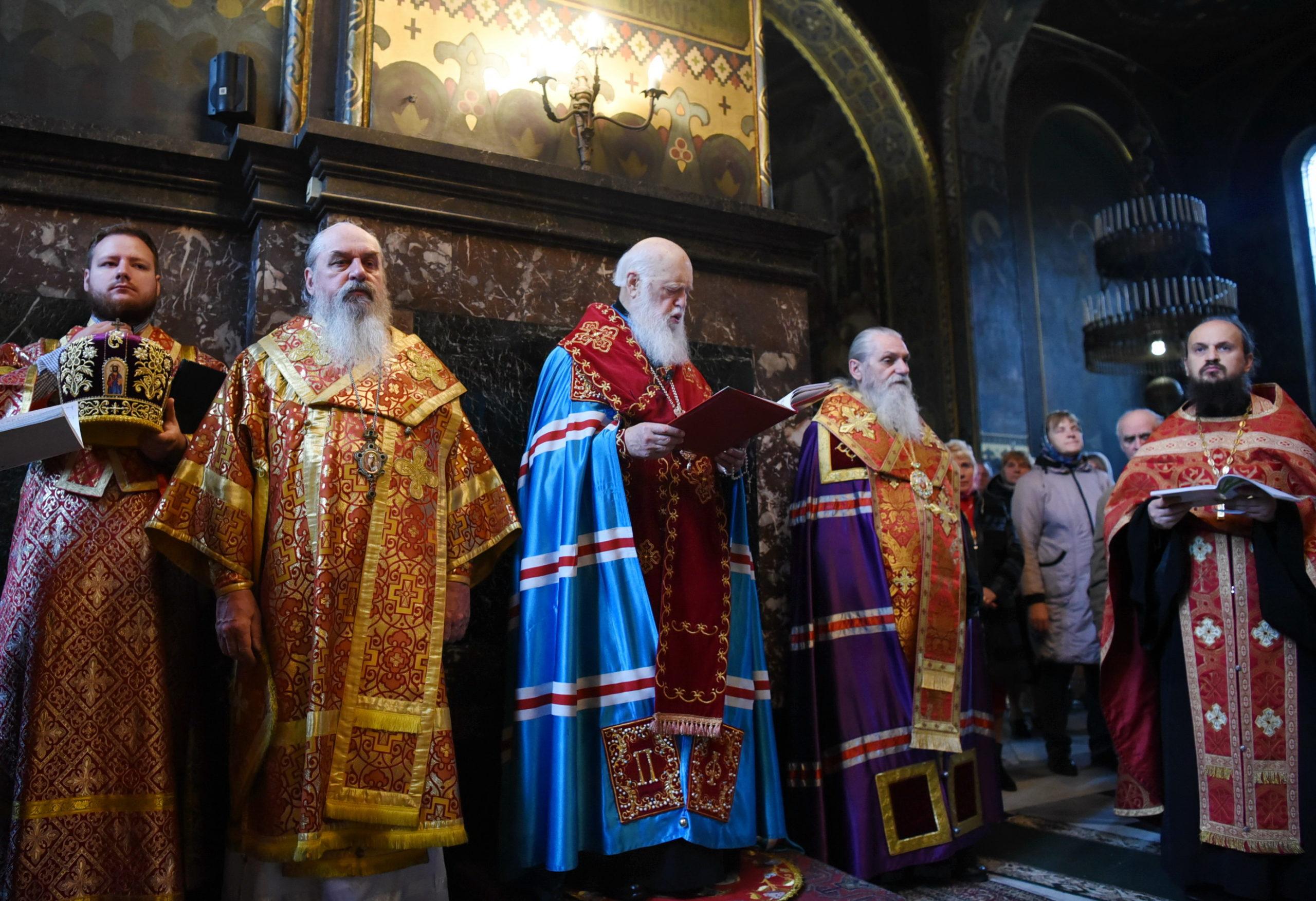 Патріарх Філарет відслужив акафіст святій великомучениці Варварі