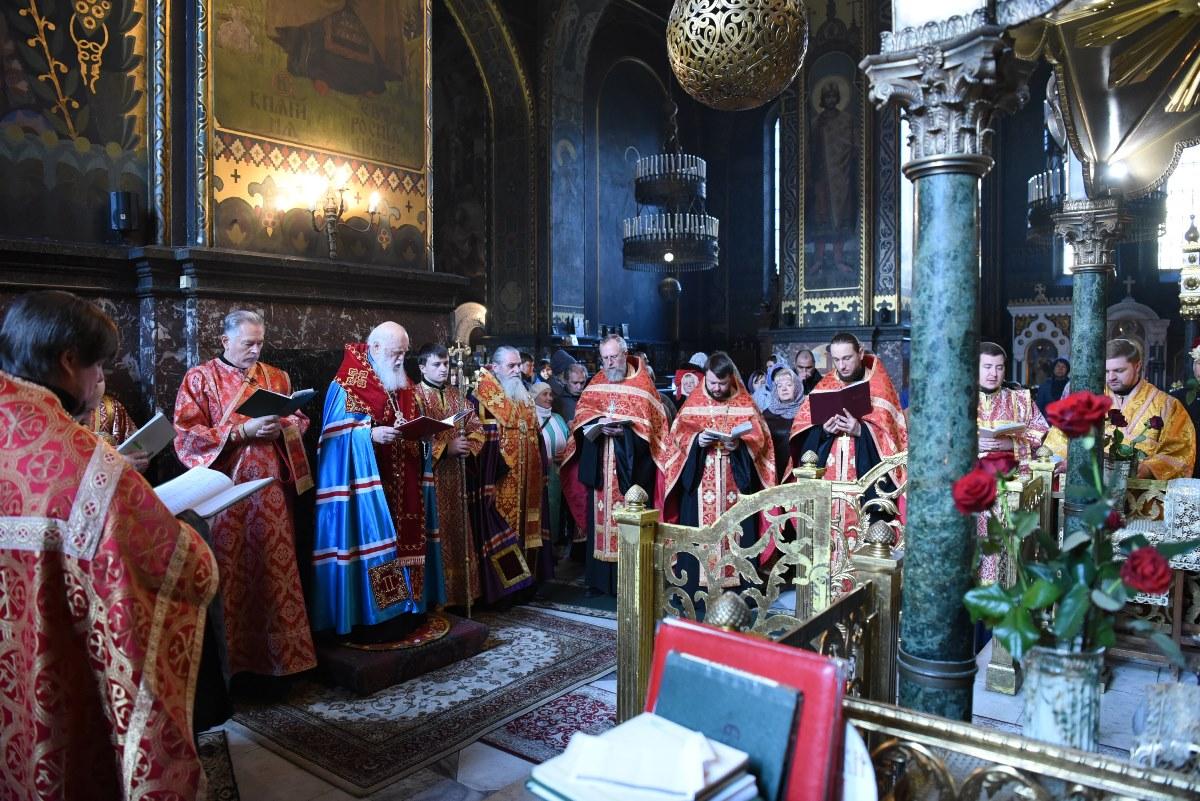 Акафіст святій великомучениці Варварі у Володимирському соборі