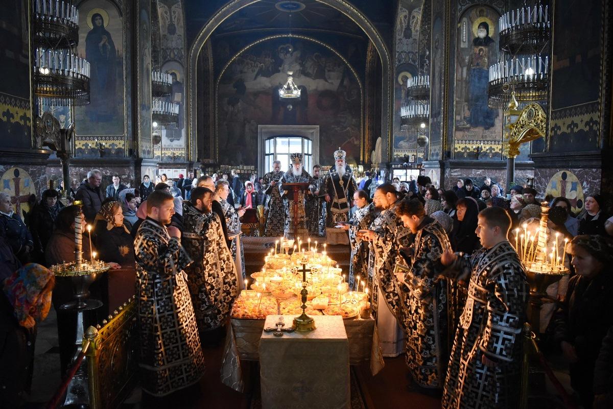 У п'ятницю першої седмиці Великого посту Патріарх Філарет звершив літургію Ранішосвячених Дарів