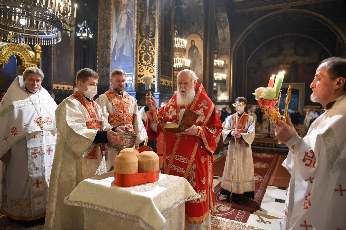Святійший Патріарх Філарет очолив урочисте Пасхальне богослужіння