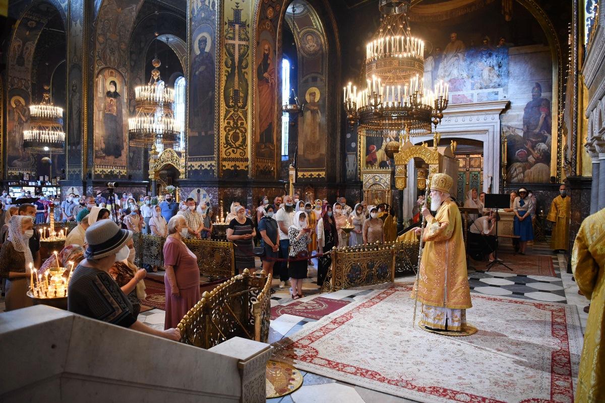 """""""Ми повинні молитися один за одного, просити прощення у Бога і собі і тим, кого любимо"""" – Патріарх Філарет"""