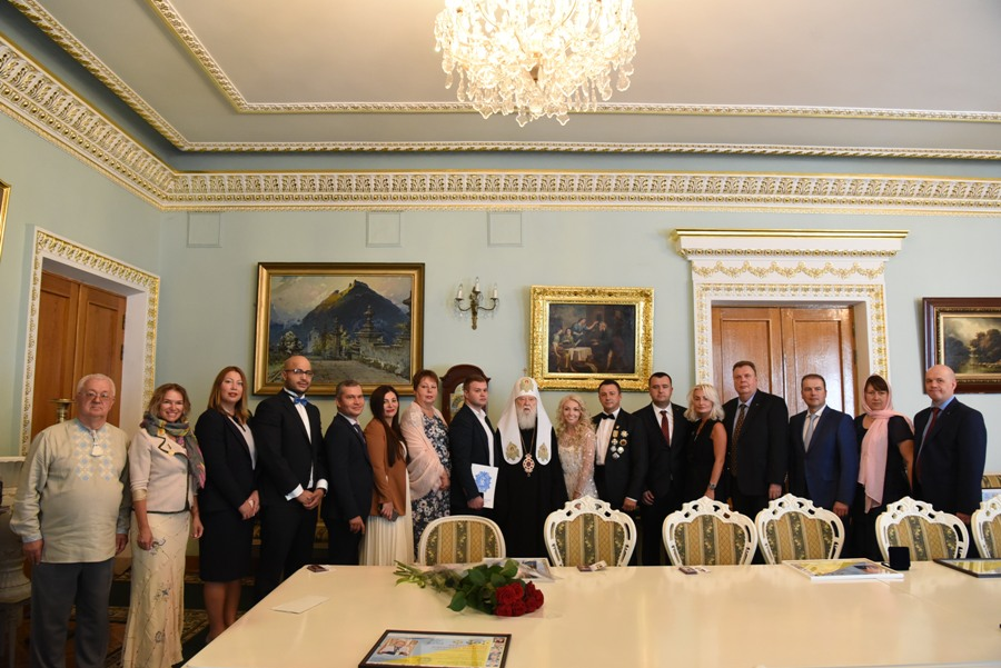 Патріарх Філарет зустрівся з представниками бізнесу, культури і громадськості