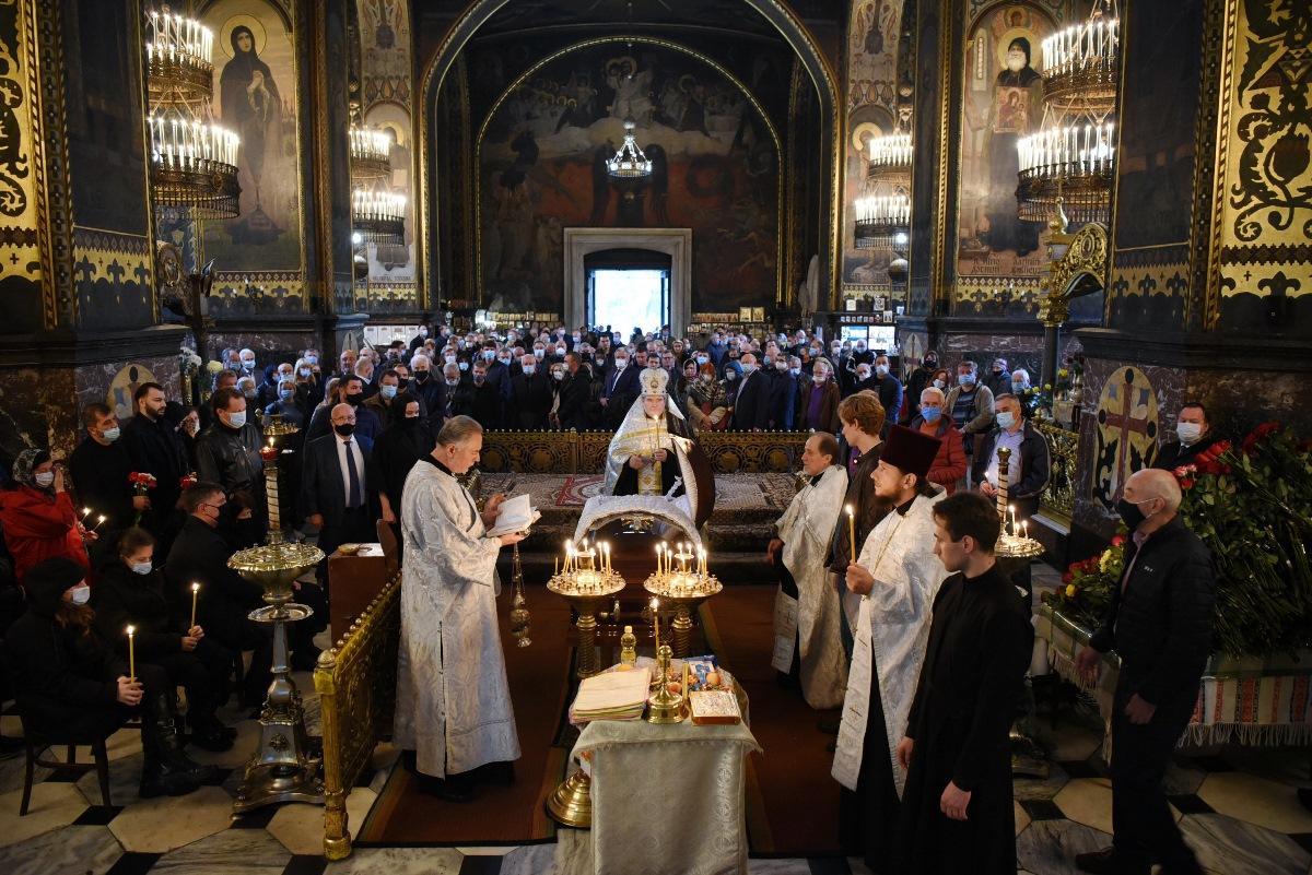 У Володимирському соборі відбулося відспівування політичного діяча та першого очільника КМДА Івана Салія