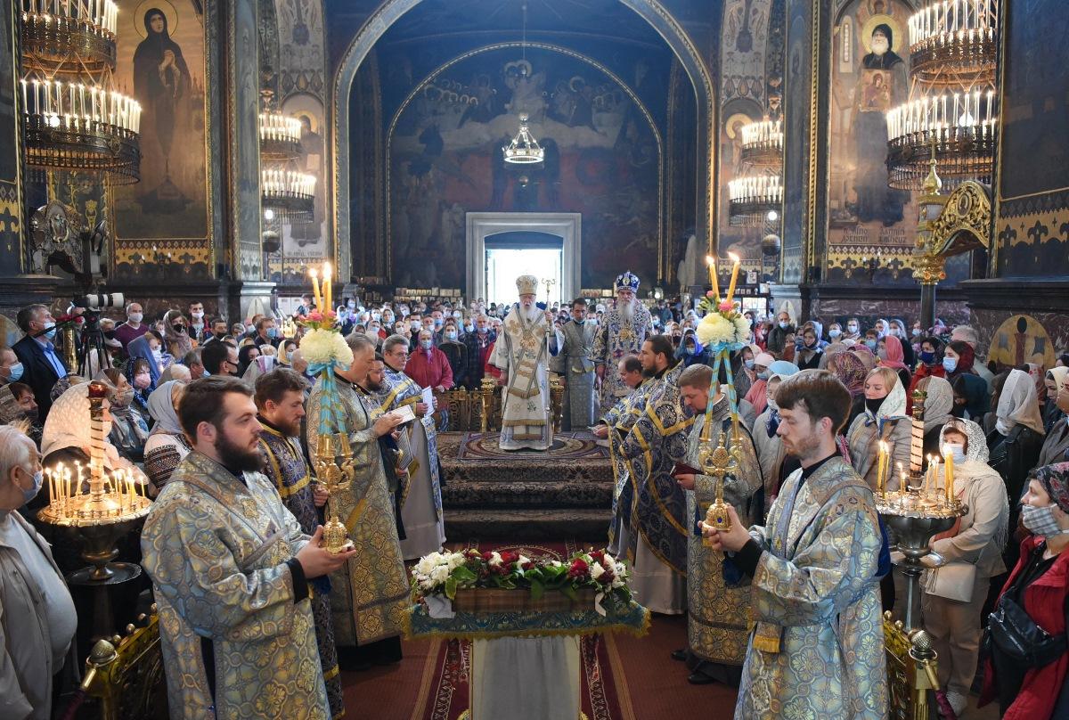 """""""Покров Пречистої Богородиці завжди перебуває над Україною"""" – Патріарх Філарет"""