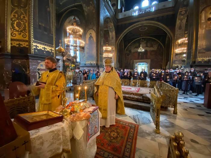 У Володимирському соборі помолились за упокій душі заслуженого артиста України Анатолія Капунова