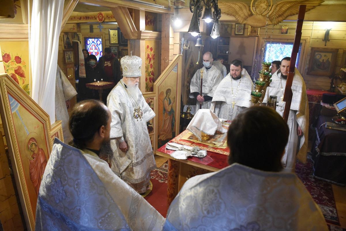 Патріарх Філарет звершив Божественну літургію у храмі святого Юрія Переможця міста Києва
