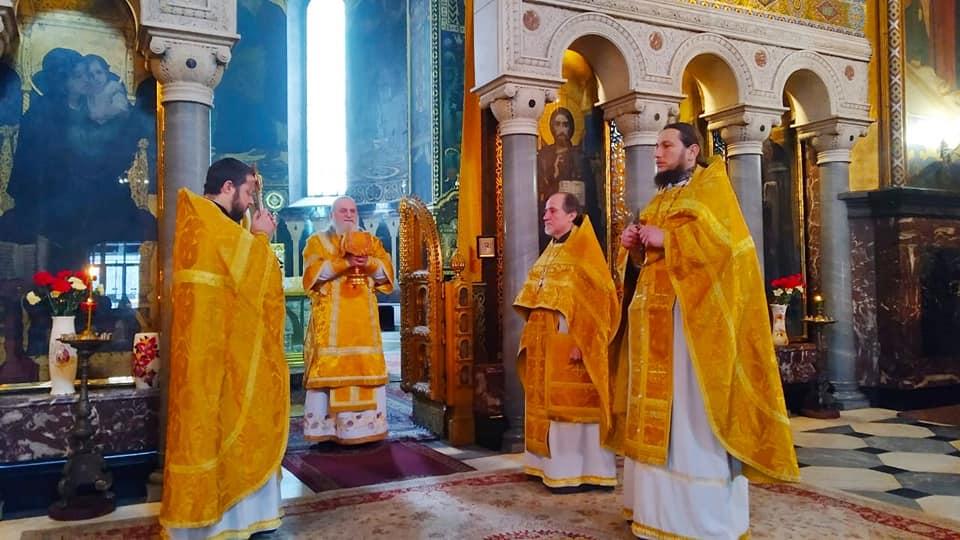 Богослужіння в день пам'яті трьох святителів