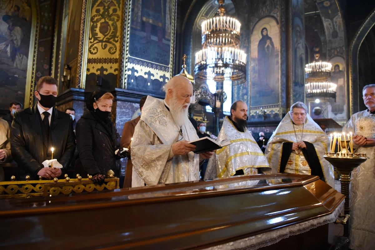 Патріарх Філарет звершив чин похорону першого проректора Європейського університету Зої Тимошенко