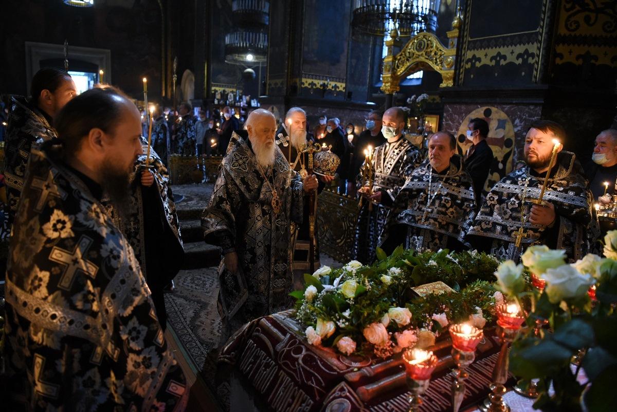 Патріарх Філарет звершив Утреню з чином поховання Господа нашого Ісуса Христа