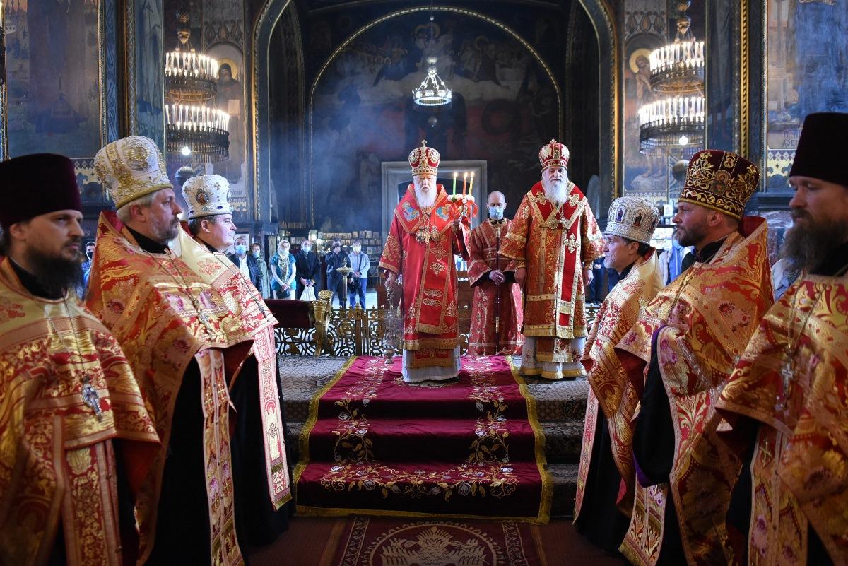 Духовенство і парафіяни привітали Святійшого Патріарха Філарета зі святом Пасхи