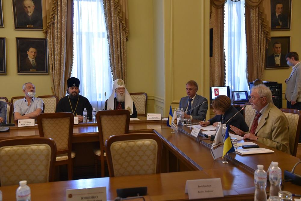 Патріарх Філарет відвідав засідання Поважної Ради відзнаки «Орден Святого Пантелеймона»