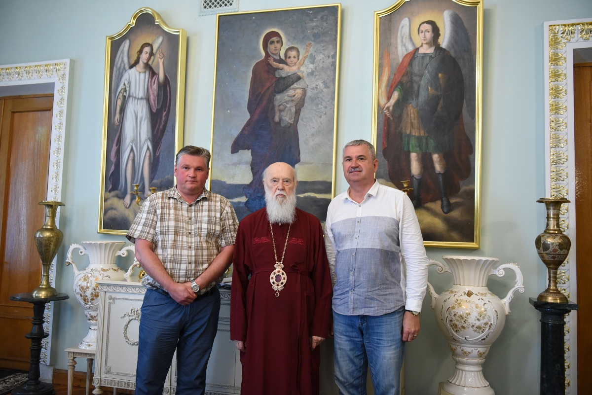 Патріарх Філарет зустрівся з відомим донецьким журналістом Ігорем Зоцем