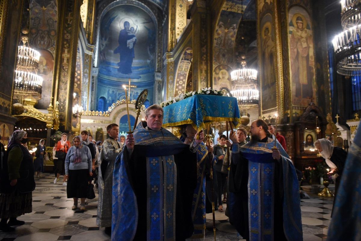 Патріарх Філарет звершив Всенічне бдіння з чином Погребіння Божої Матері