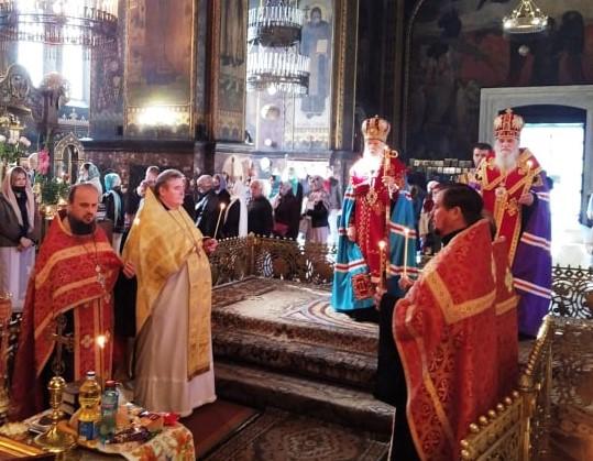 Патріарх Філарет помолився за упокій душі новопреставленого єпископа Іллі (Зеленського)
