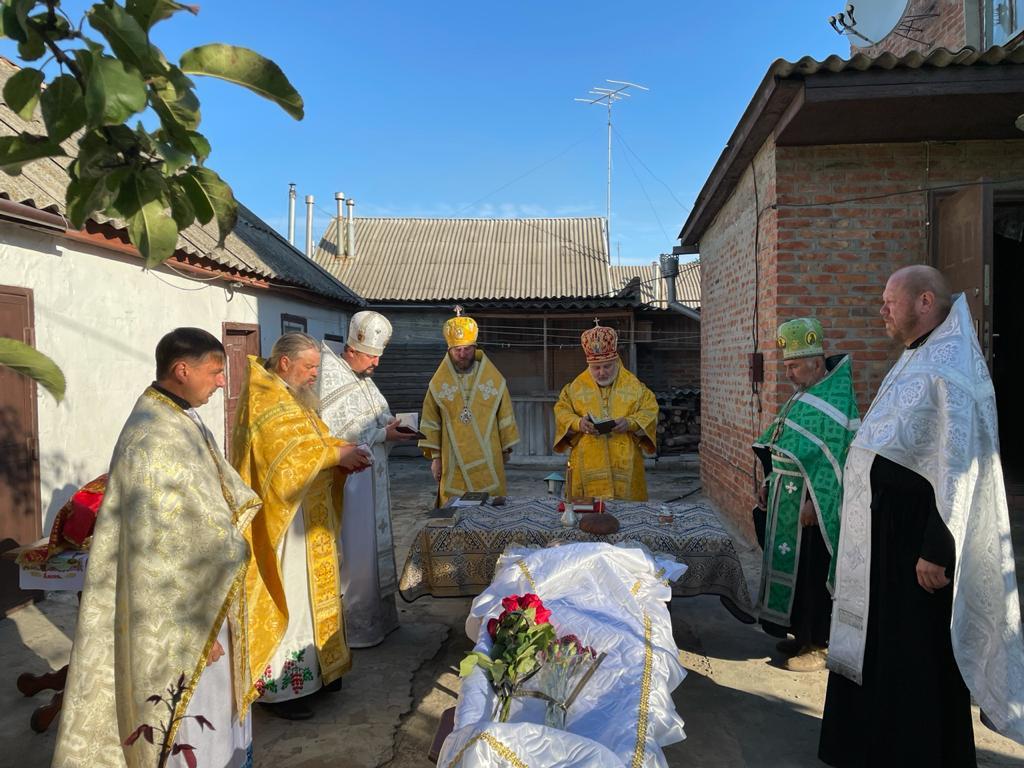 Звершено чин похорону преосвященного єпископа Іллі (Зеленського)